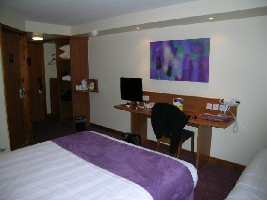 Premier Inn Swansea City Centre Hotel: Habitacion
