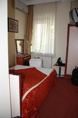 Meddusa Hotel: Room 104