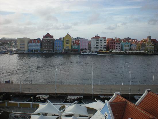 Otrobanda Hotel and Casino: esta una de las vistas que tienes desde el hotel