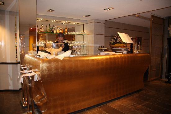Hotel Kaiserhof: The hotel resturant bar