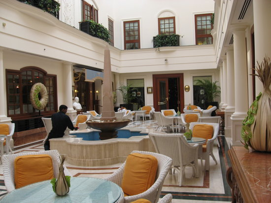 The Imperial Hotel: Atrium - fabulous for pre dinner drinks or afternoon tea
