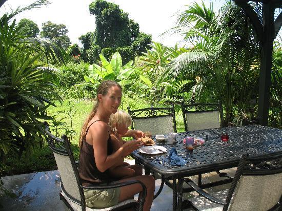 Island Goode's: Breakfast