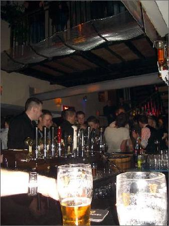 Fitzsimons Hotel: The bar next to out room