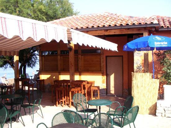 Villa Hotel BB (Apartments Bozikovic): Beach bar