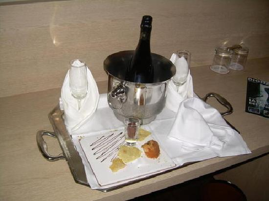 Hotel Spa Attica 21 Villalba: supuesta cesta de frutas