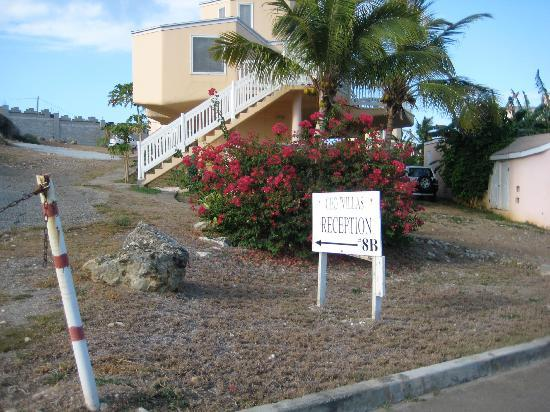 Guana Bay Beach Villas: this sign is it as far at amenities