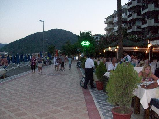 Sun Maris Park Hotel: Visit Maymi Restaurant, your holiday is a waste if you dont have a meal here.  Amazing