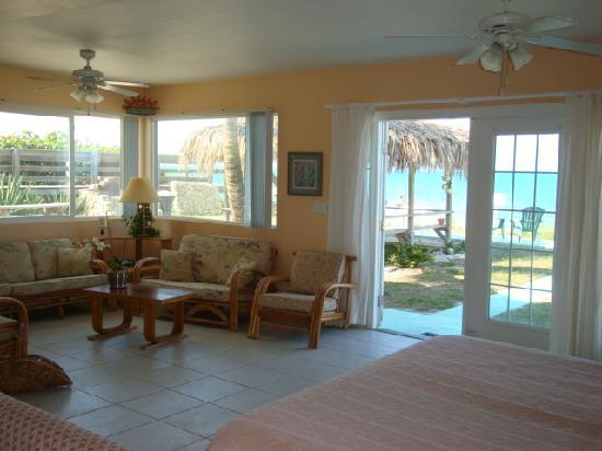 Sea Scape Motel - Oceanfront Getaway: Oceanfront suite