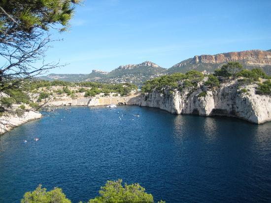 Hotel de la Plage Mahogany: View of Calanques