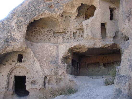 Cappadocia Cave Dwellings : Ancient monasteries