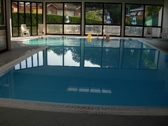 Hotel Alex : piscina interna