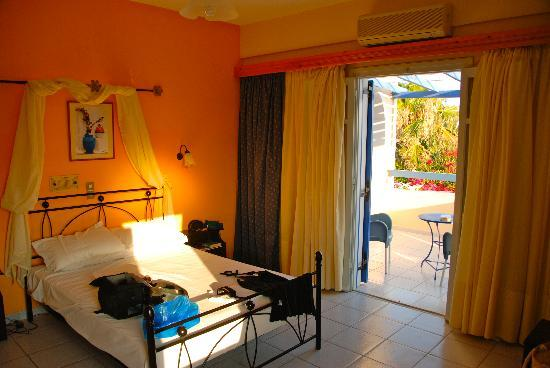 Villa Olympia: Our room, the best there we think!