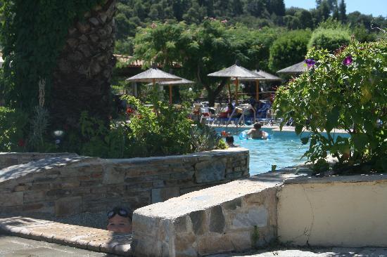 Chrousso Village: pool / grounds
