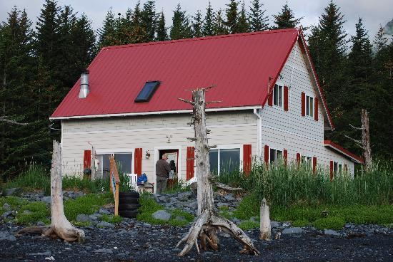 A Cottage on the Bay: The Cottage on the Bay, Lowell Point, Seward