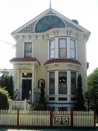 Humboldt House Bed & Breakfast Inn: Best Place to stay in Victoria, BC