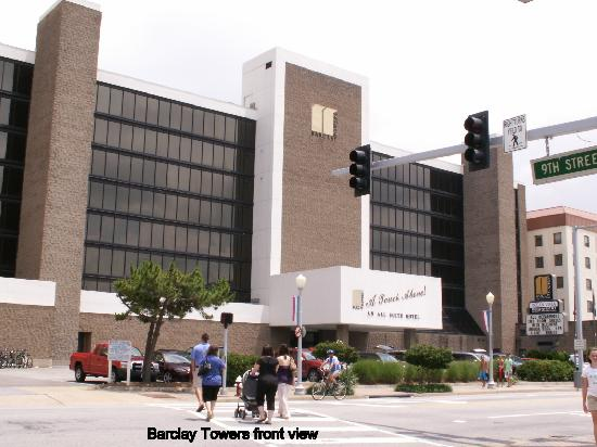 Barclay Towers Resort Hotel: Front view