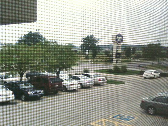 Hampton Inn Findlay: View Outside from Room Window