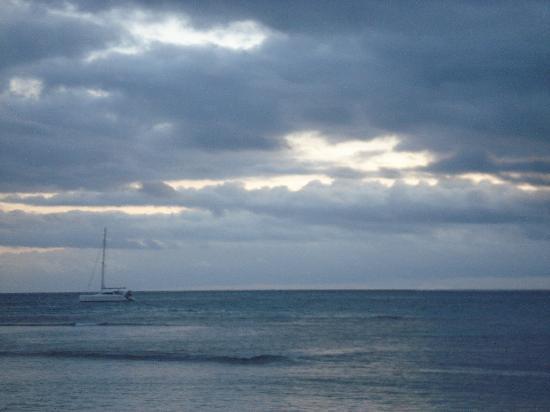 InterContinental Fiji Golf Resort & Spa: the beach at dusk