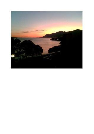 Bluesun Hotel Soline : Das Meer bei Nacht von unserem Zimmer aus