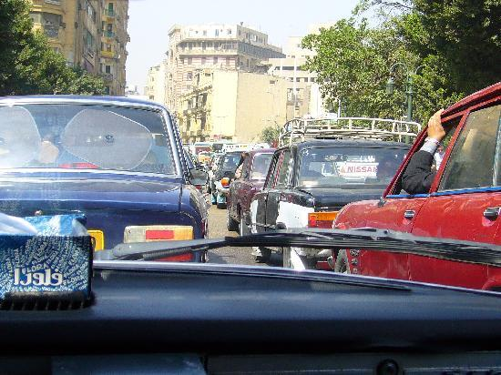 Cairo Khan Suites Hotel: Bumper to bumper Egyptian traffic
