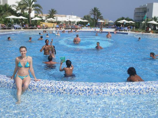 Grand Palladium Palace Ibiza Resort & Spa: Piscina!!