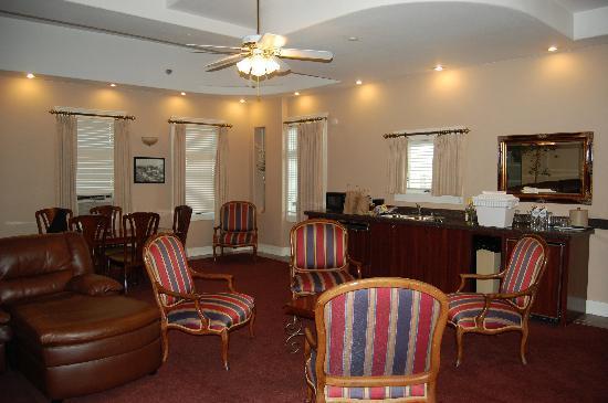 Ramada by Wyndham Gaslamp Convention Center: World Class Accommodations