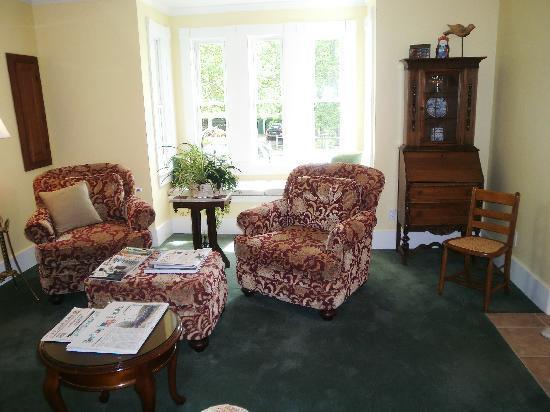 Bayberry House Bed & Breakfast: Das Wohnzimmer