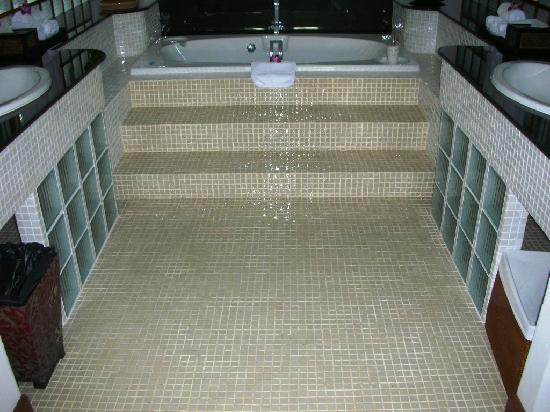 Boathouse by Montara: Sensational Bathroom