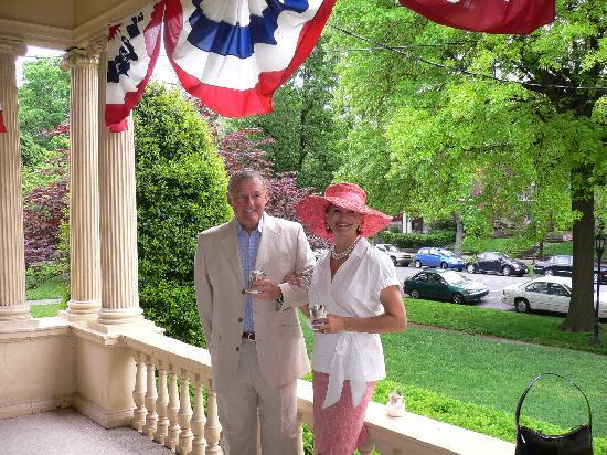 The Samuel Culbertson Mansion Bed and Breakfast Inn: Mint Juleps are served on the front porch Derby morning!