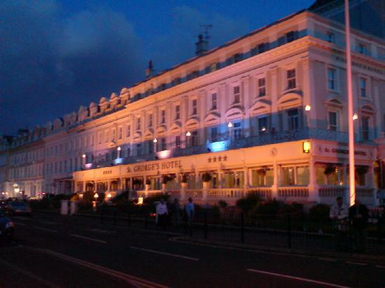 ลันดิดโน, UK: St. Georges Hotel on the Promenade at Llandudno