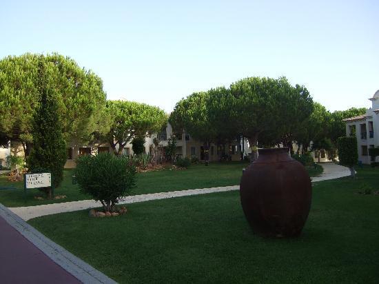 Adriana Beach Club Hotel Resort: Accomodation and grounds