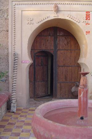 Demnate, Morocco: Entrada de atrás