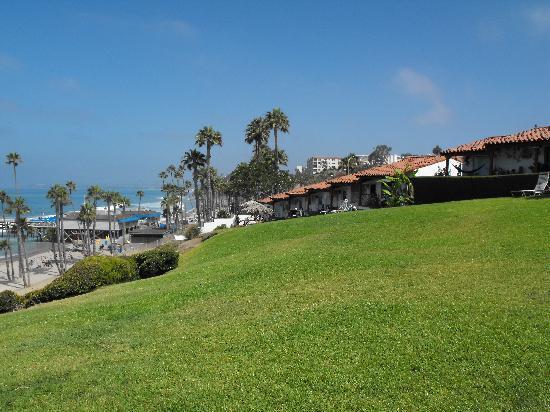 Beachcomber Inn: View of Property