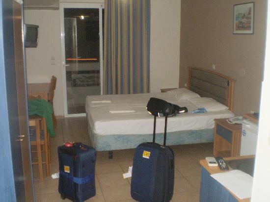 Emerald Hotel: room 501