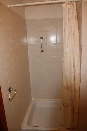Hid Hotel: Bathroom 1
