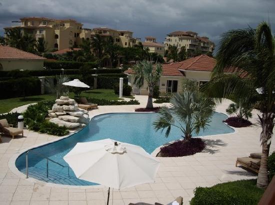 Villa del Mar: pool view from room