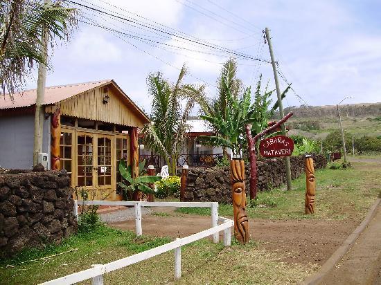 Mataveri Inn: Entrada Cabaña