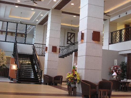 Kafuu Resort Fuchaku Condo Hotel: フロント