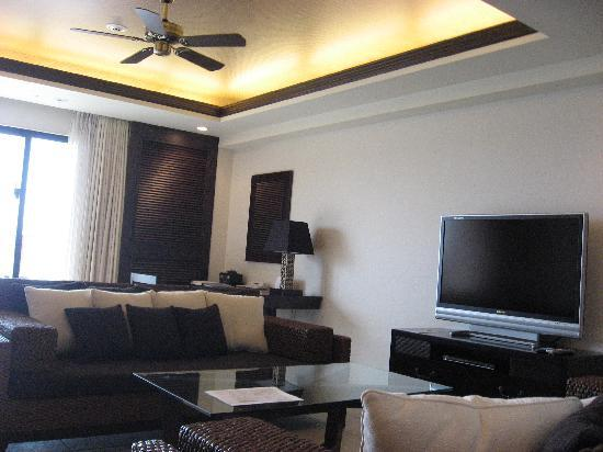 Kafuu Resort Fuchaku Condo Hotel: リビング