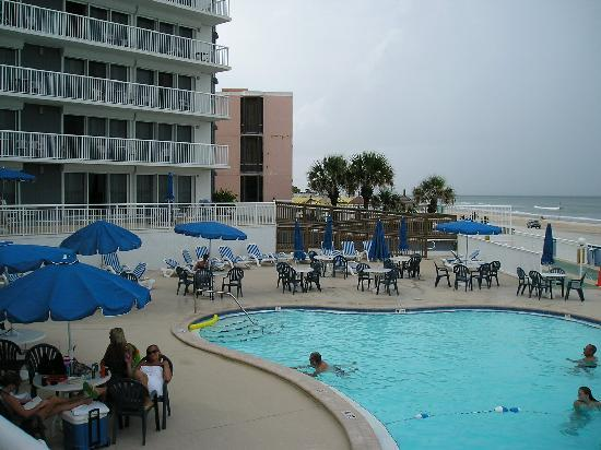 Sea Club IV: The pool area.  Because of the V shape, all units are oceanfront.