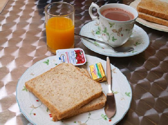 Urban House: Simple breakfast