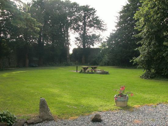 Foulksrath Castle: grounds