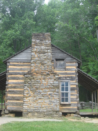 Пиджен-Фордж, Теннесси: Log Cabin at Cades Cove
