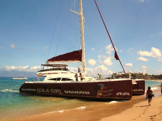 Hula Girl Excursions: Docked in front of Hula Grill/Leilani's for convenient pick-up of passengers