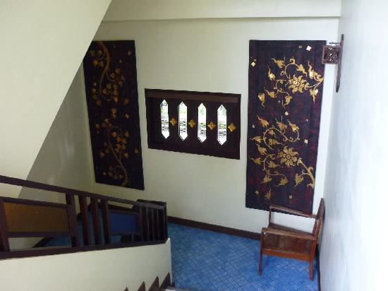 Chiang Mai Thai House: Interesting touches in the stairwell.