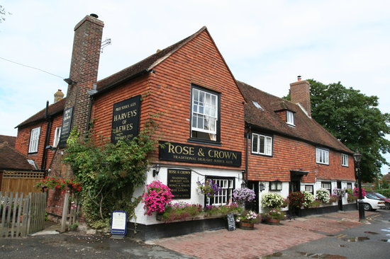 Burwash, UK: The Rose and Crown