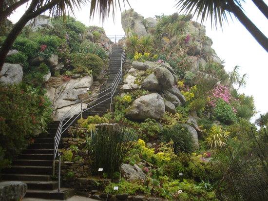 Jardin Exotique et Botanique de Roscoff : Granite rocks made a feature on in the gardens