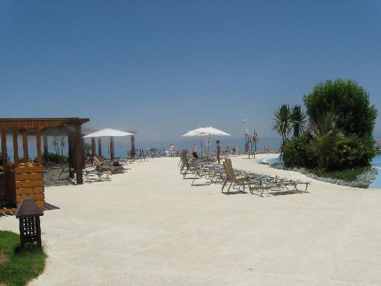 Mövenpick Resort El Sokhna: More pool deck