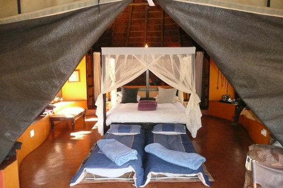 Jaci's Safari Lodge : Our suite