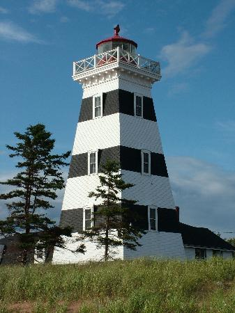 West Point, Canada: Viewing lighthouse from beach